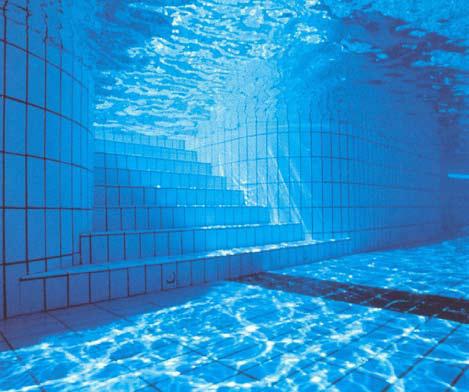 Colocaci n de cer mica en vasos de piscinas for Cubas de agua para piscina