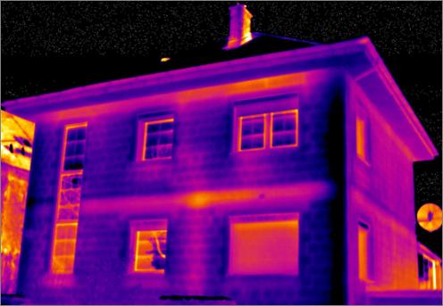 Figura 2: termografía en invierno de la envolvente de una vivienda unifamiliar